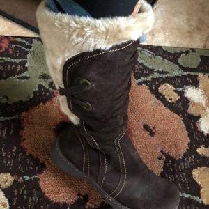 St Johns Bay faux fur brown boots
